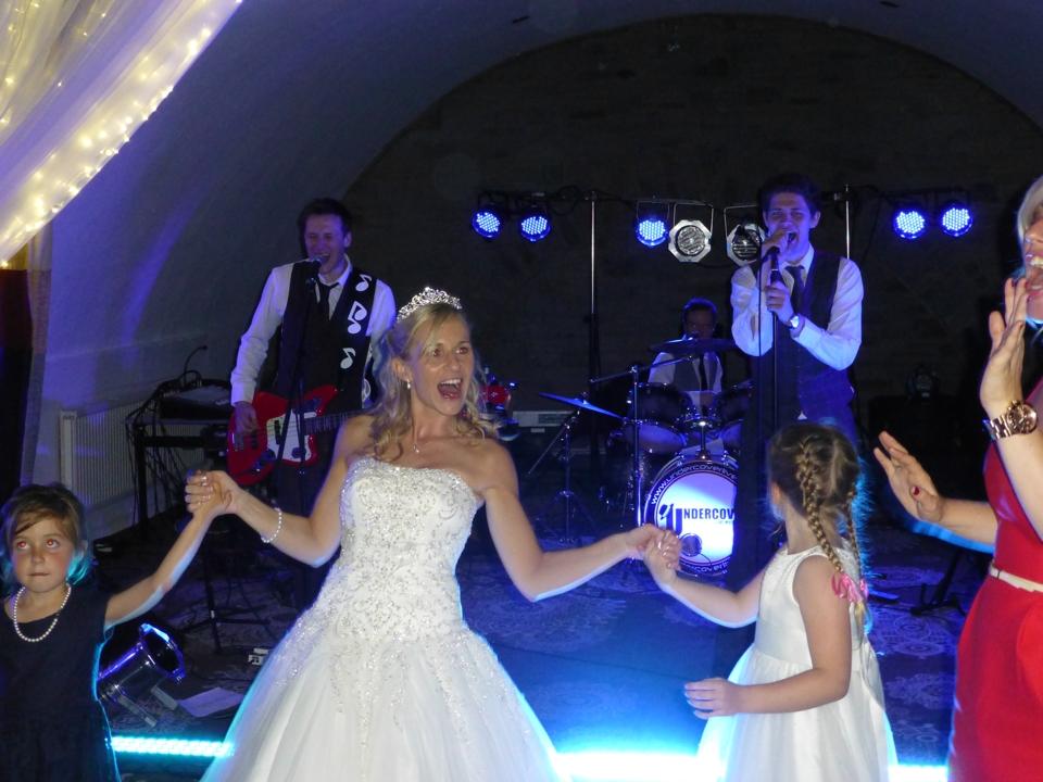 undercover_wedding_10
